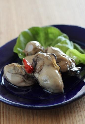 燻製風味の牡蠣のオイル漬け