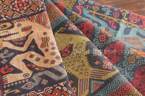 スンバ島の織物2