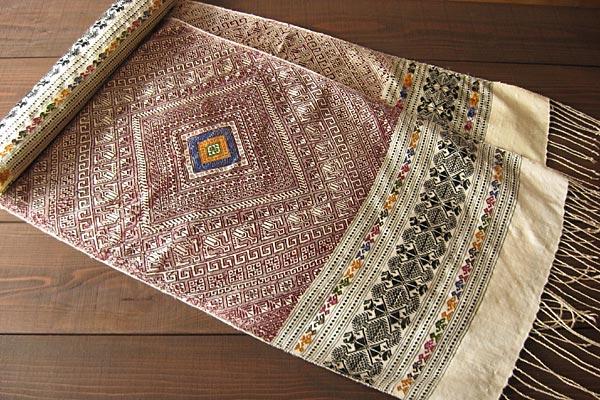 ラオス織物タントラ1