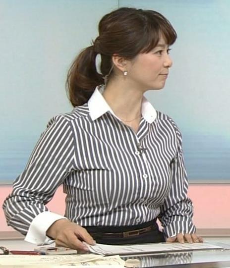 杉浦友紀 縦縞シャツは特におっぱいが強調される
