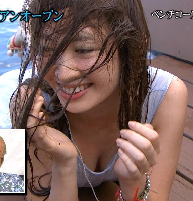 小嶋陽菜 下着姿より胸ちらのほうがエロいキャプ画像(エロ・アイコラ画像)