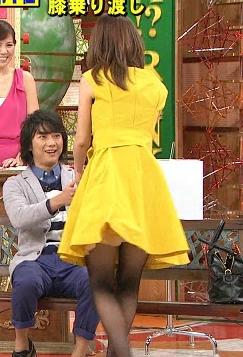 加藤綾子 スカートキャプ・エロ画像10