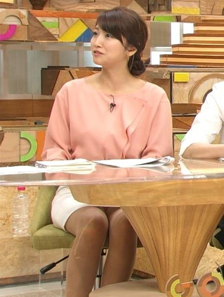 三田友梨佳 かなりスカートの中が見えてるキャプ画像(エロ・アイコラ画像)