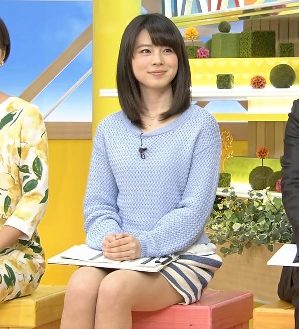 皆川玲奈 太ももチラリキャプ画像(エロ・アイコラ画像)