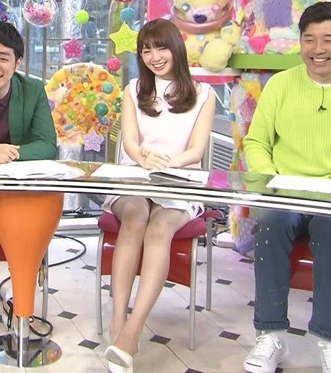 小嶋陽菜 ミニスカのデルタゾーンで視聴率UP?キャプ画像(エロ・アイコラ画像)