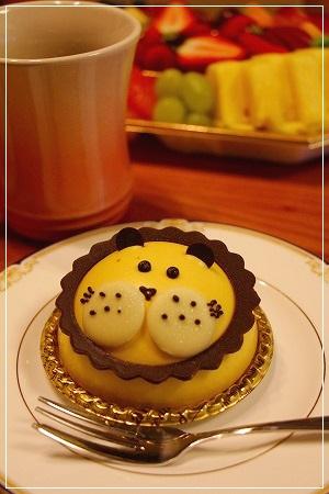 可愛いケーキ、くまさんご馳走様です♪