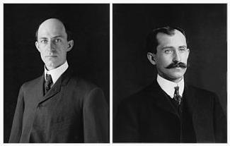 人類初の有人飛行に成功したライト兄弟のうち、最初に飛んだのはどっち?