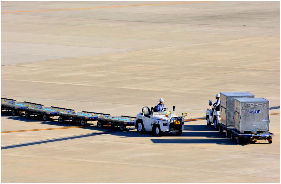伊丹空港・助手1