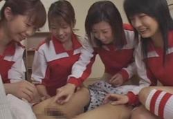 【CFNM、羞恥、小男虐め】女子バレー部員に全く歯が立たない弱小男子柔道部…